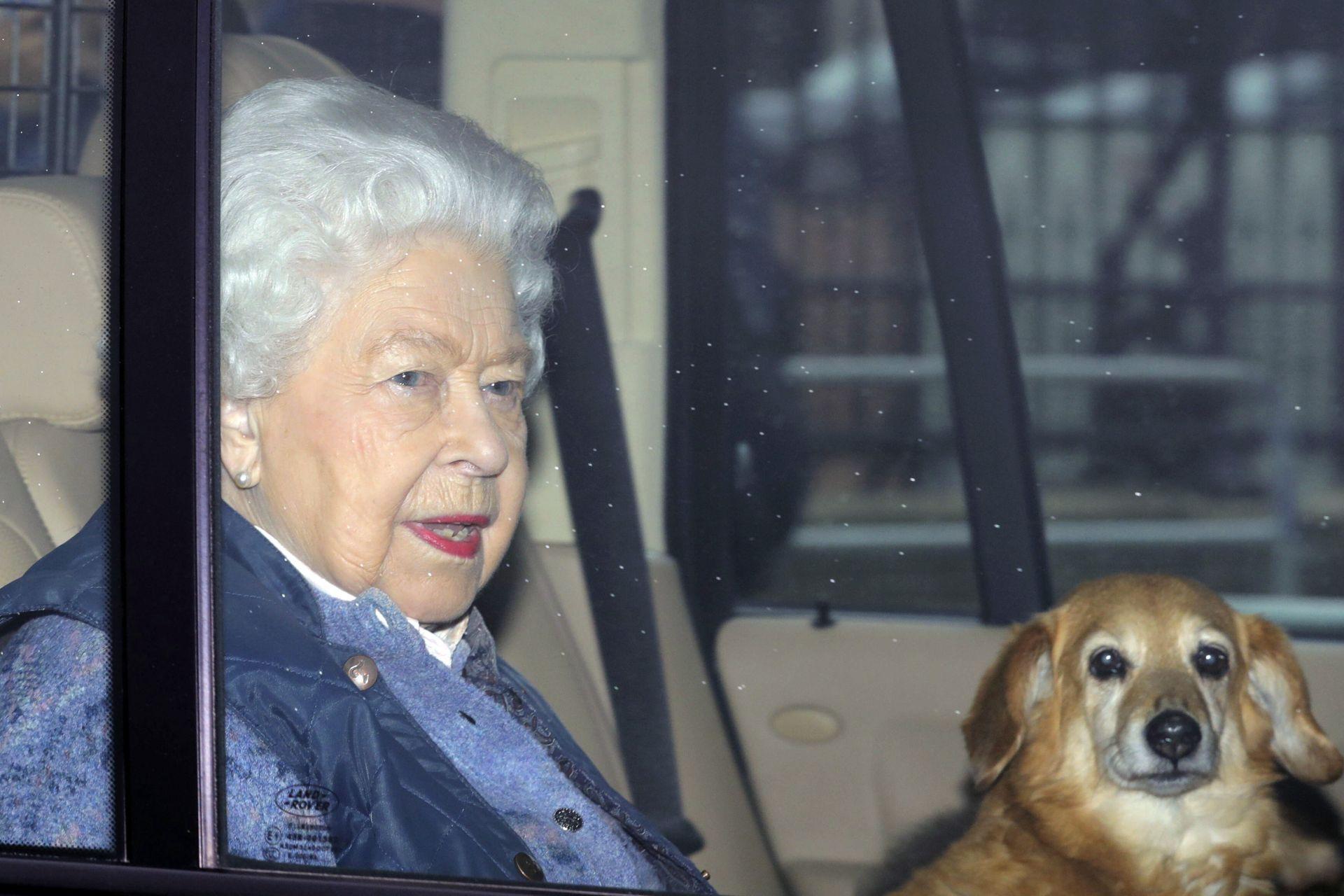 Деветдесет и три годишната кралица напусна Бъкингамския дворец с цел социална дистанция заради коронавируса