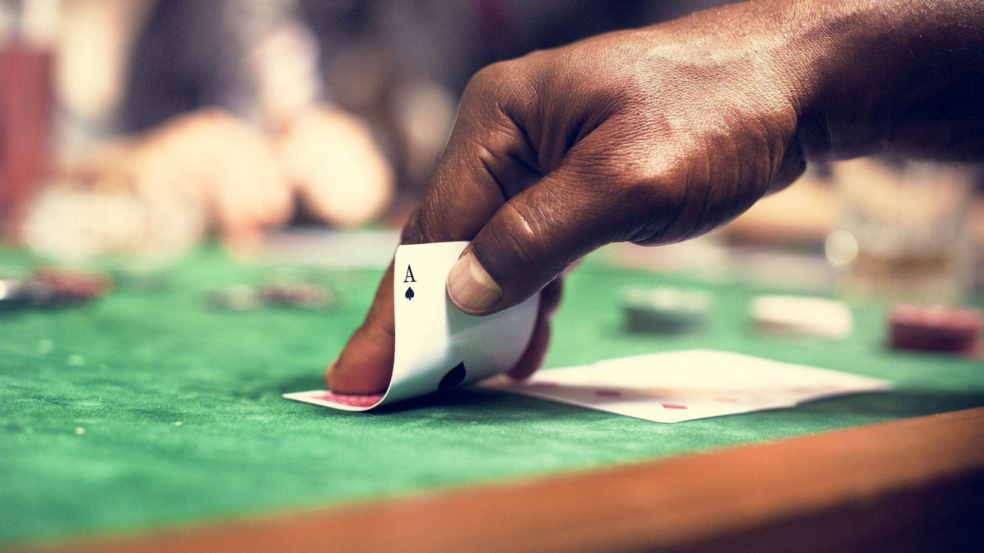 Разкриха нелегално помещение за покер в София