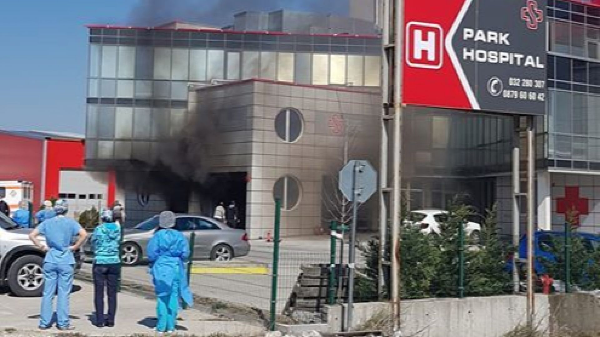 Спасиха десетки пациенти при пожар в пловдивска болница (снимки/видео)