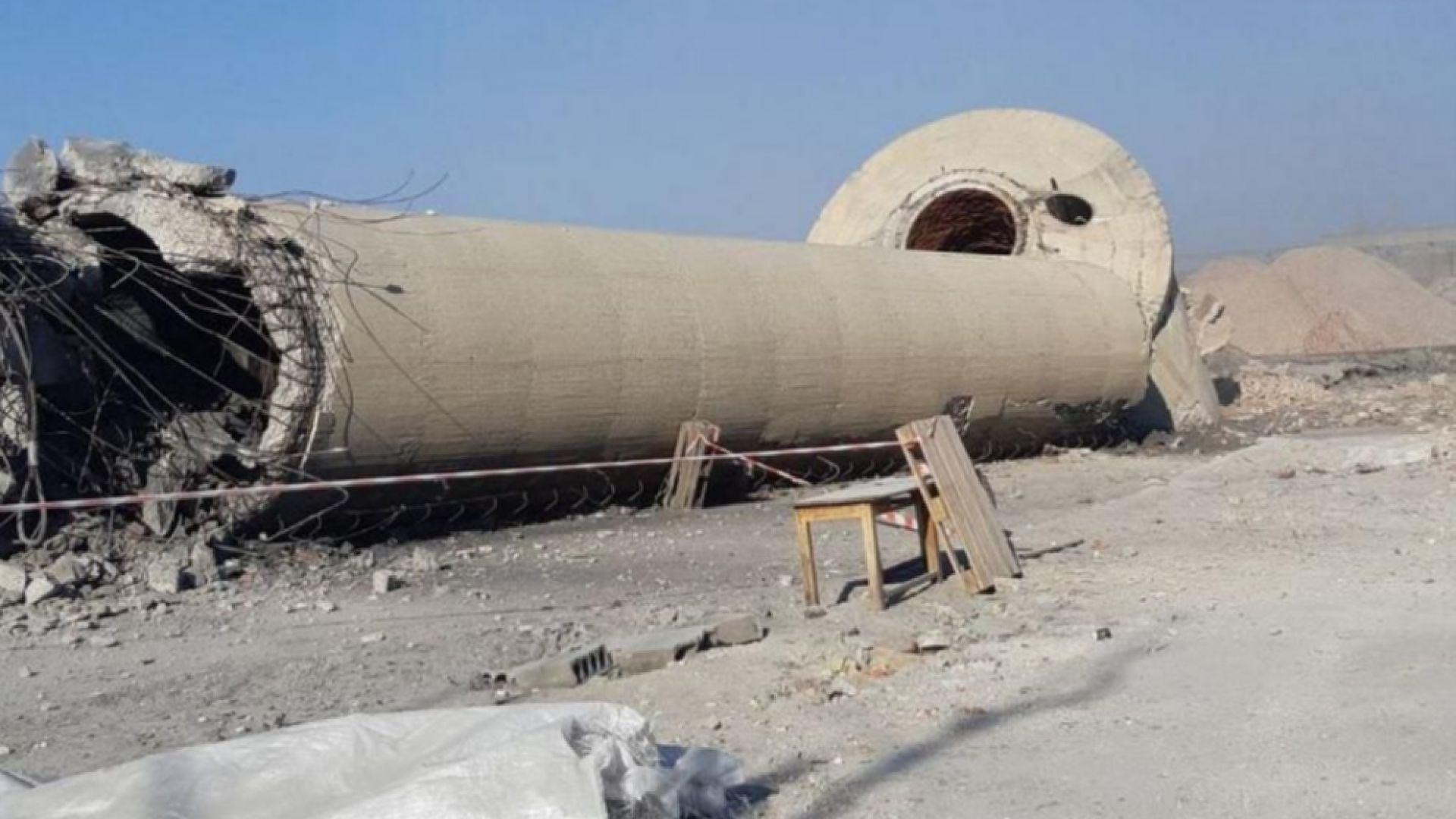 Взривиха 60-метровия комин на бившия кожарски завод в Пловдив (снимки/видео)