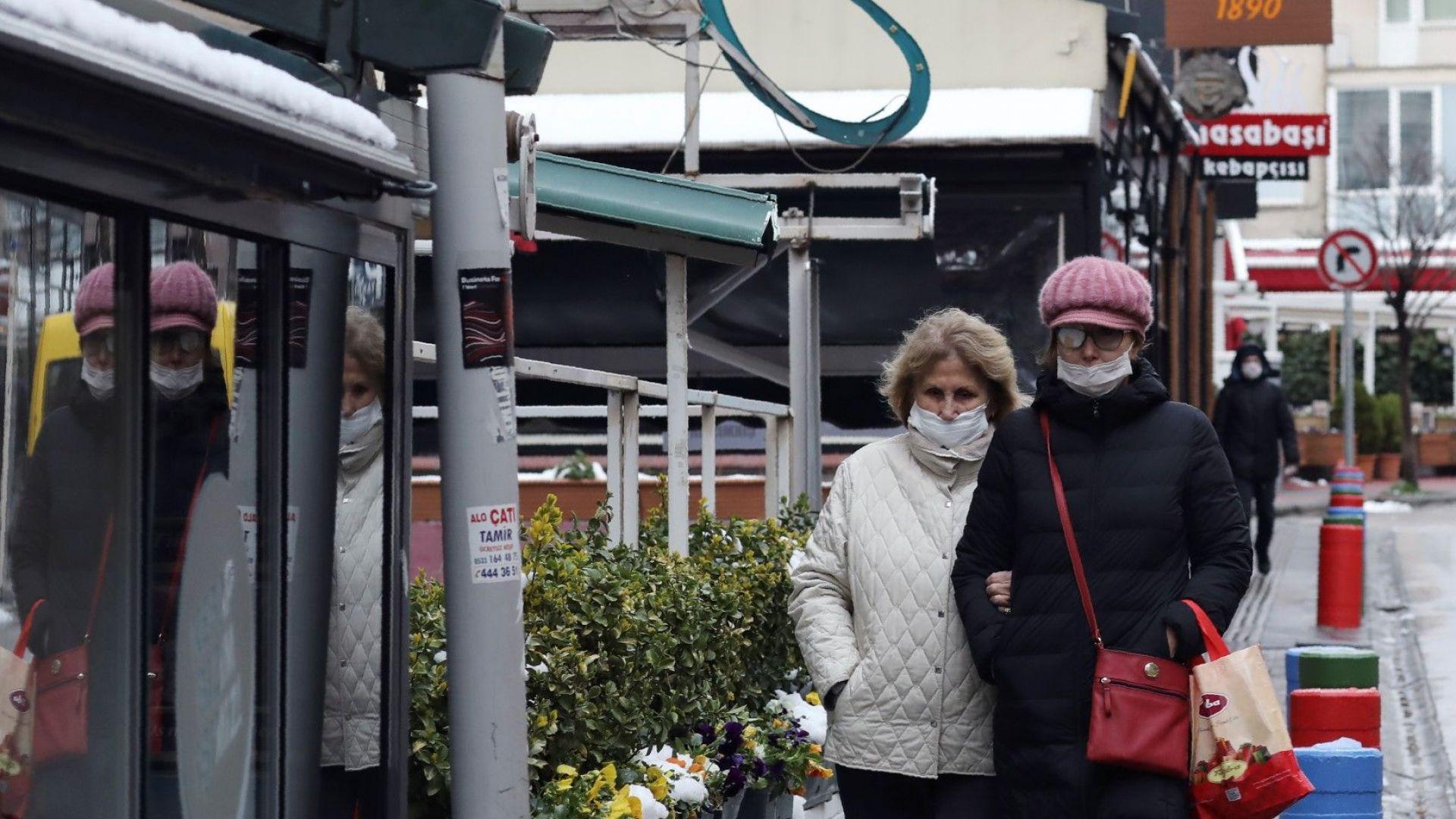 """Турция се стяга за """"карантинен"""" туристически сезон"""