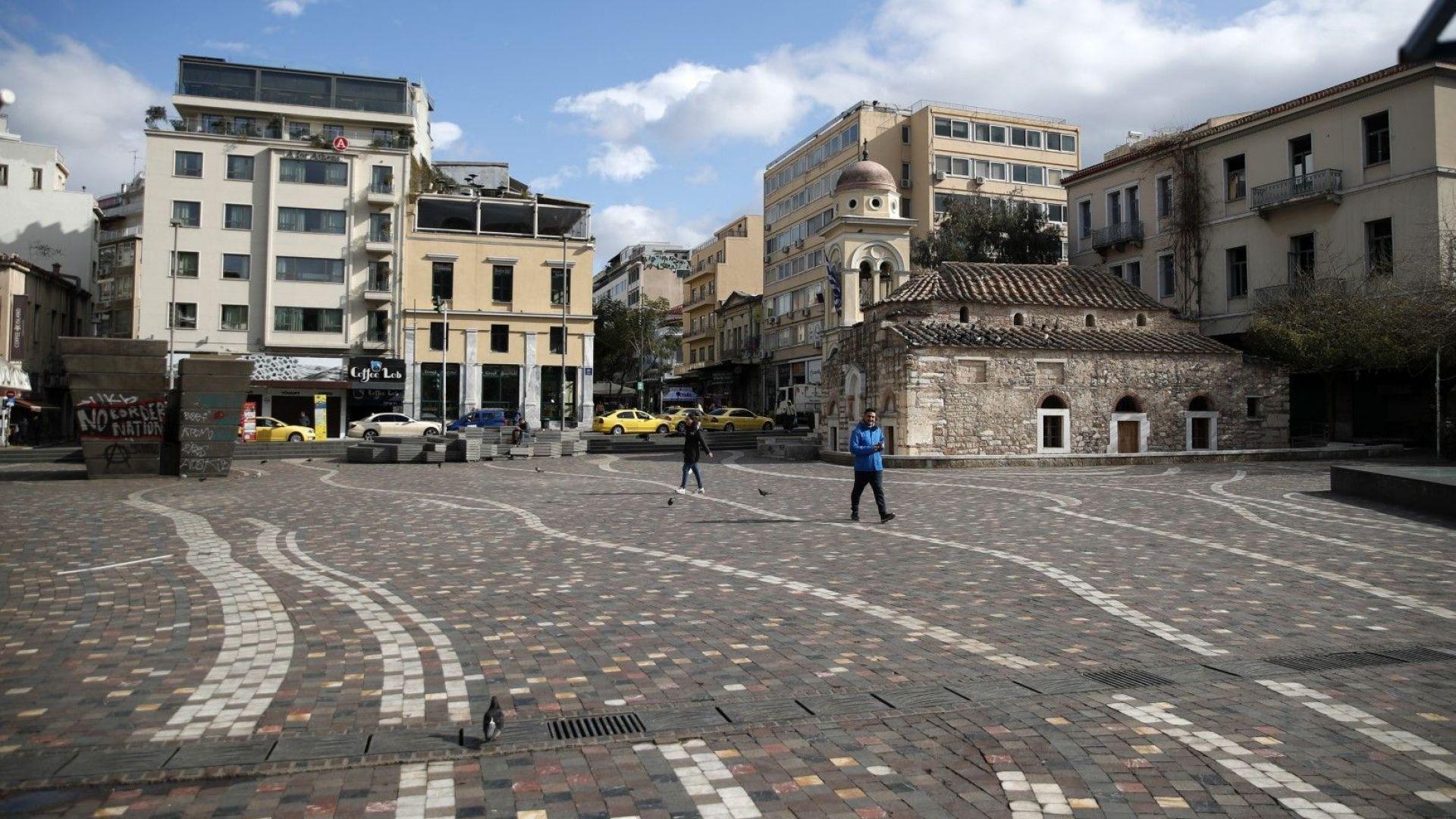 Испания и Гърция затвориха хотелите
