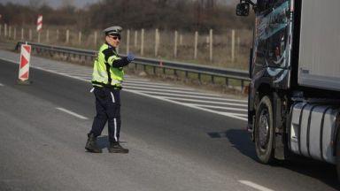 Километрични опашки на изхода на София след въвеждане на новите мерки