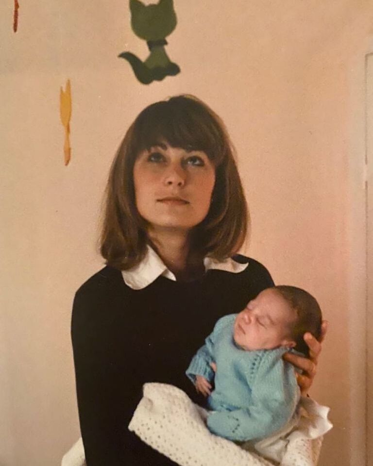 Каръл Мидълтън с новородената Кейт