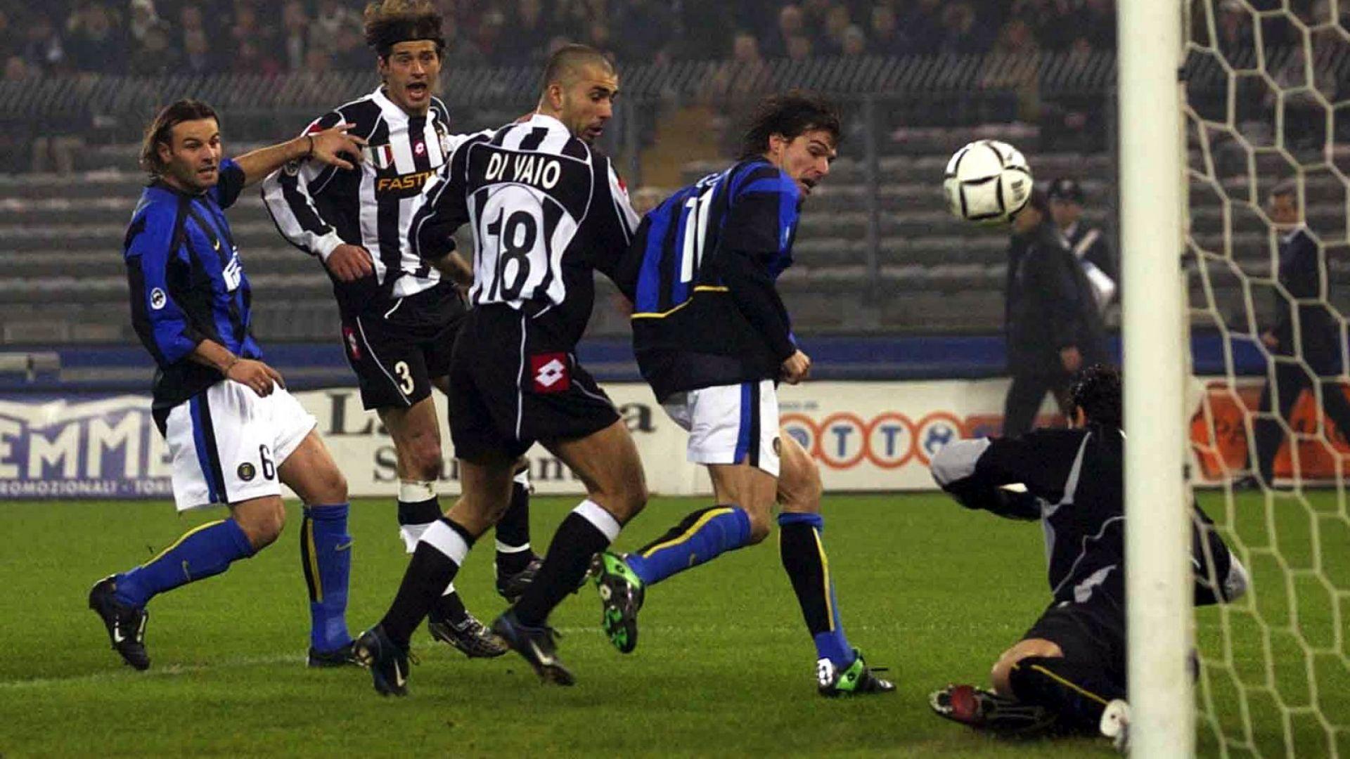 Как пример от 2003 г. може да помогне за справяне с футболната криза