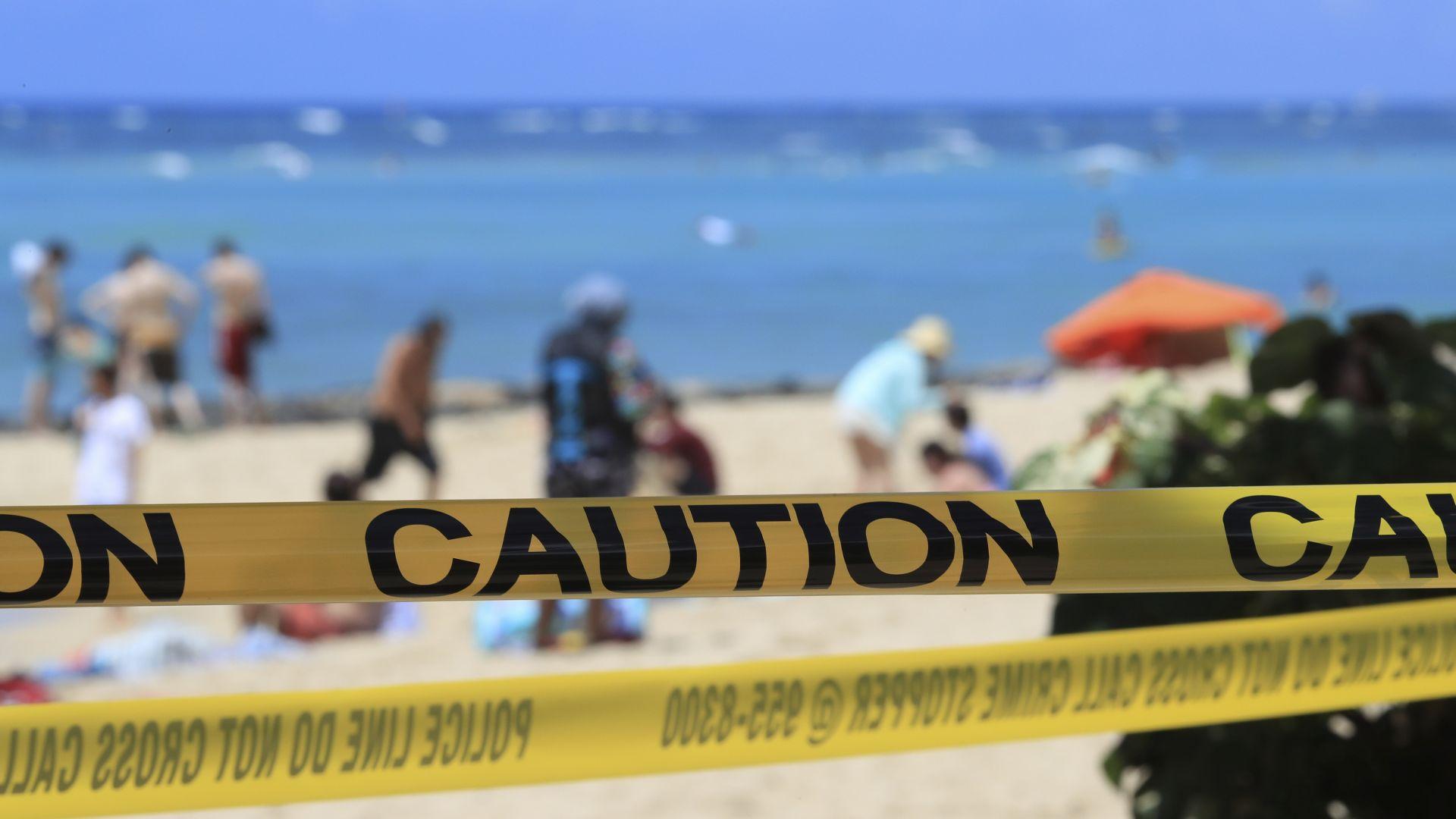 """""""Бунтовници"""" срещу вируса от Франция до Флорида се гаврят с карантинните мерки"""