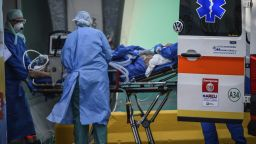 Руските военни дезинфекцираха втора болница в Италия