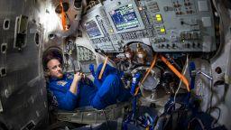 Астронавт от НАСА дава съвети как да преживеем социалната изолация