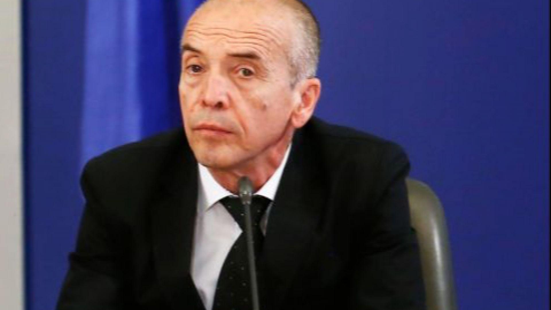 Доц. Мангъров: Доказано 280 000 души в България са имали контакт с коронавируса