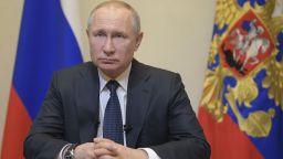 Путин обяви за неработни дните до края на април