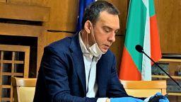 Мобилно приложение следи поставените под карантина в Бургас
