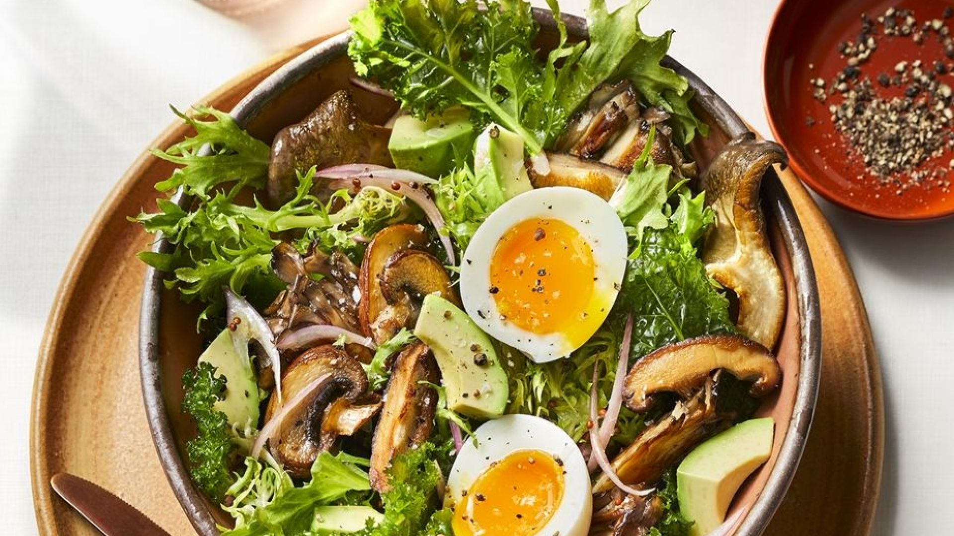 3 здравословни сутрешни салати за страхотно начало на деня