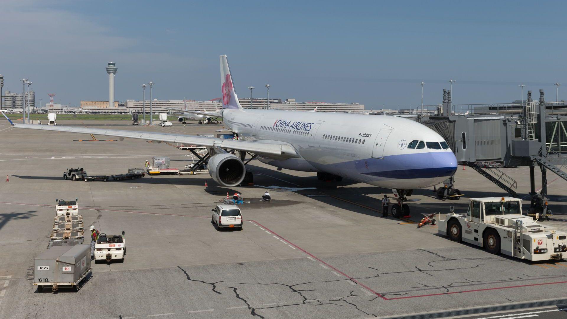 Китай драстично намалява международните полети