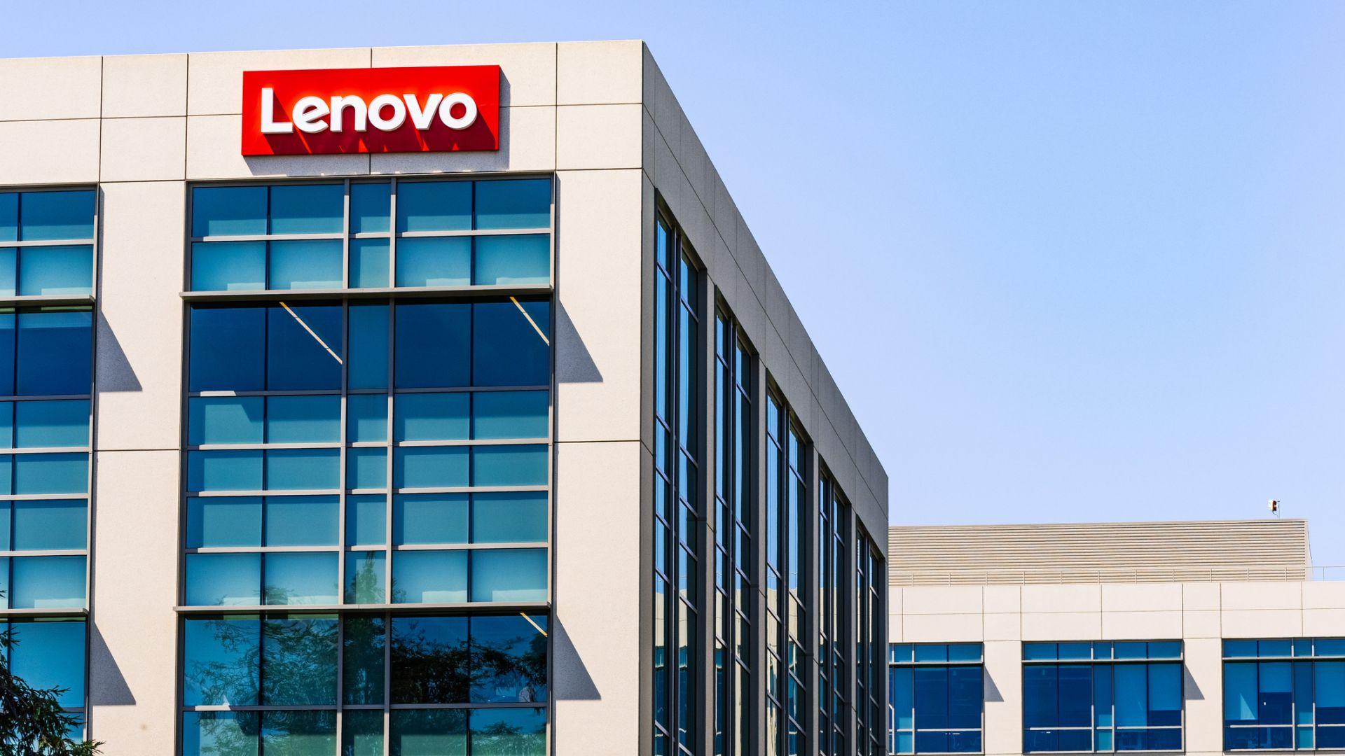 Lenovo отваря нов европейски завод в Унгария