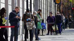 Прибират българи от поставилата дневен рекорд по смъртни случаи Испания