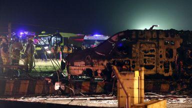 Медицински самолет се разби във Филипините, осем души загинаха