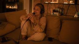 Виктория очарова феновете си с концерт от вкъщи (видео)