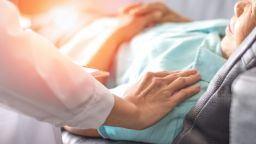 Наши социални работнички ще се грижат за лежащо болни в Австрия