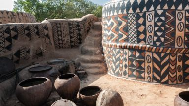 Африканско село, в което всяка къща е произведение на изкуството