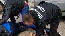 Осем са задържани за нерегламентирана търговия с кръв