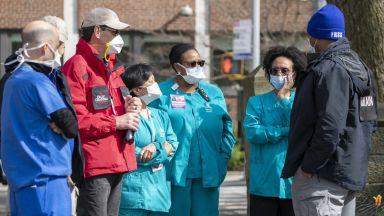 САЩ прескочиха границата от 200 000 заразени