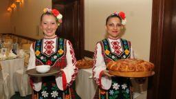 """Най-големият клуб по народни танци - """"Чанове"""", празнува 15 години с уебинар по родолюбие"""