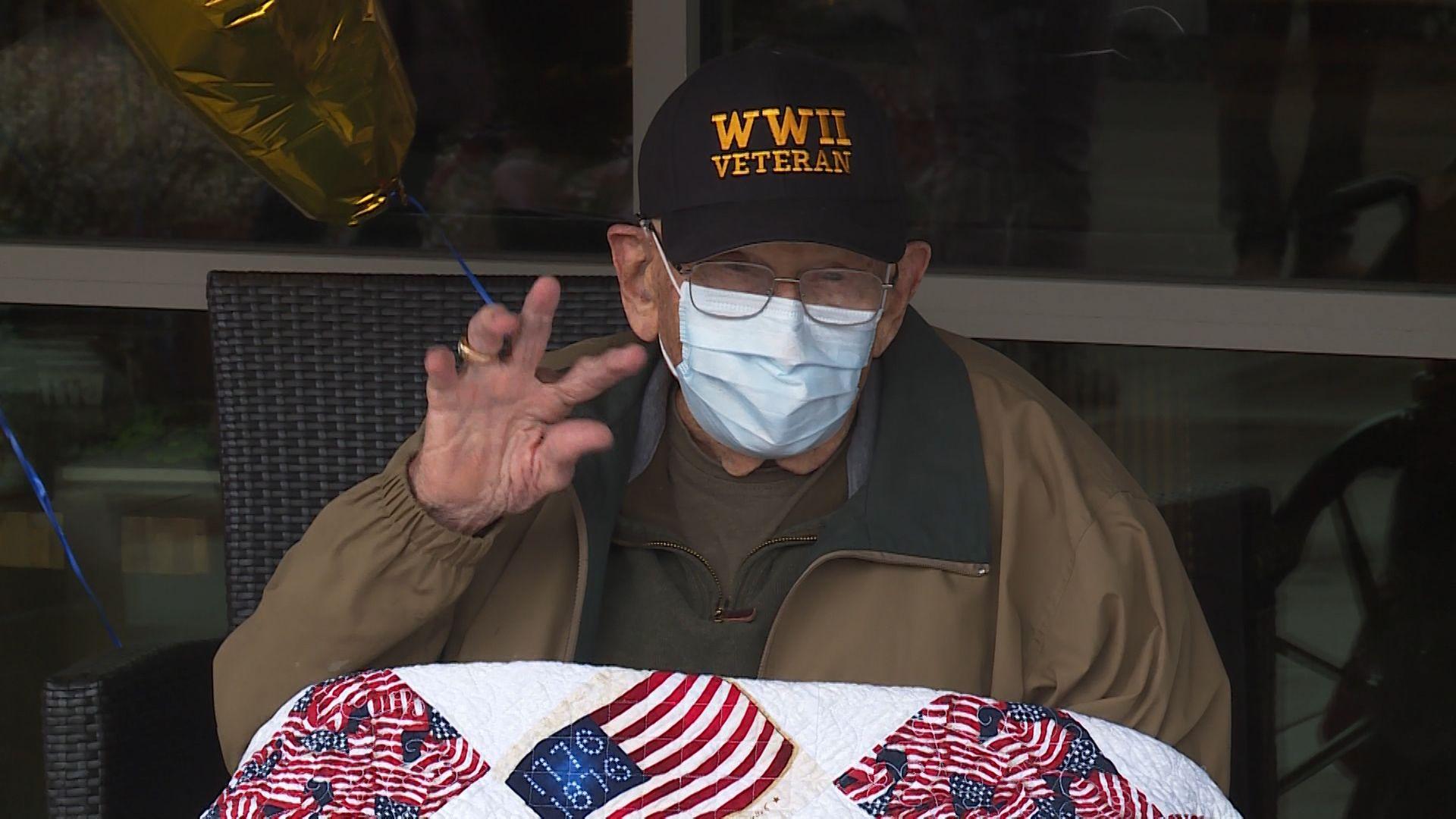 Жителят на щата Орегон Бил Лапсчис, ветеран от Втората световна