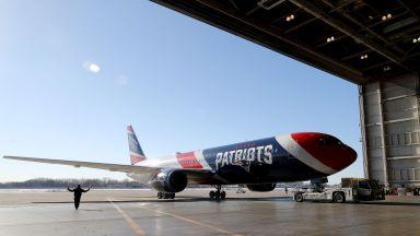 Самолетът на Ню Инглънд Пейтриътс превози 1,2 милиона маски от Китай