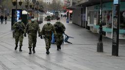 Прибират в болници всички с положителни проби в Сърбия