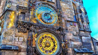 Пражкият астрономически часовник на 600 години показва точно времето и днес