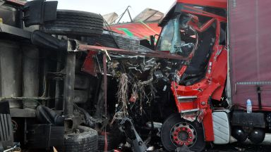 Жестоко меле с над 10 камиона и коли на КАТ и ДАИ край Харманли (снимки)