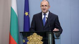 Президентът: Мизерията не е спасение от вируса, хората нямат нужда от оферти за заем