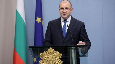 Радев: Правителството дължи информация за ефекта от извънредното положение