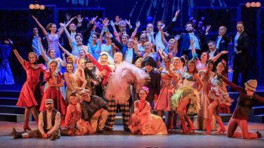 Звездите на музикалния театър с онлайн откровения и откъси от любими спектакли