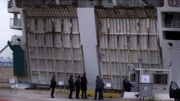 Българин е сред заразените с коранавирус на круизен кораб в Пирея
