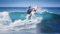 Най-високите и най-чистите вълни на Хаваите - Меката на сърфинга