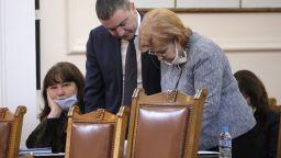 Държавата поема и осигуровките по схемата 60/40, спряха партийните субсидии