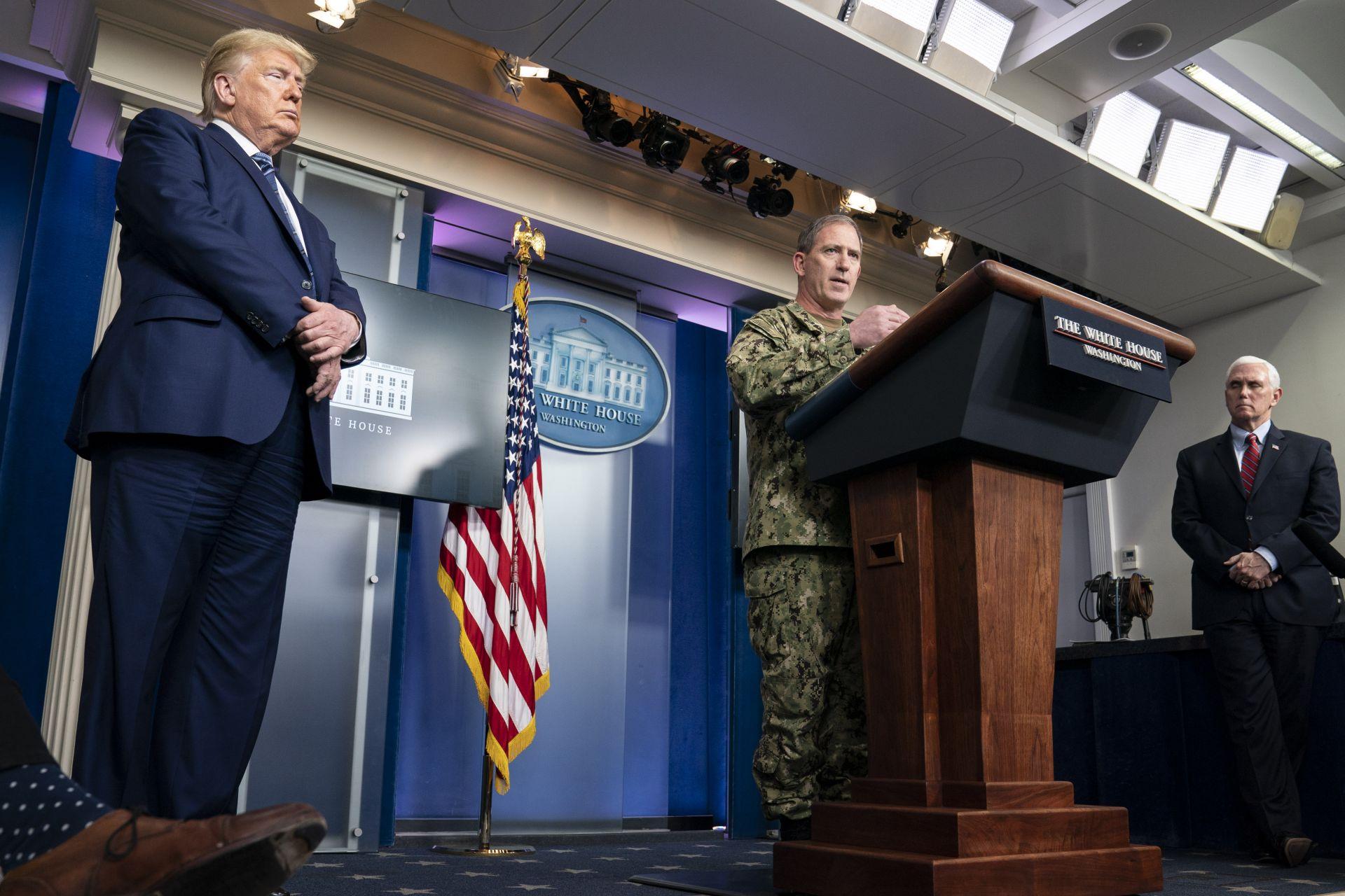 Той подчерта, че над 3000 военни медици са били изпратени в различни точки на страната да помагат за справяне с Covid-19.