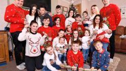 Най-многодетното семейство във Великобритания се сдоби с 22-ото си дете