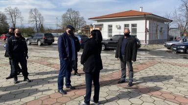 Оставиха в ареста нападателите на възрастния мъж от Трилистник