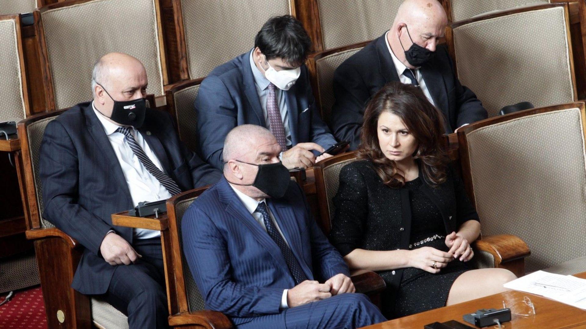 Депутатите спориха за въвеждането на генерични лекарствени продукти в условията