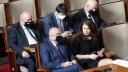 Депутатите спориха за въвеждането на генерични лекарствени продукти при извънредно положение