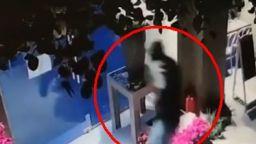 Крадец обра магазин, в който подаряват цветя
