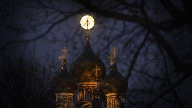 В Русия правят двуседмичен експеримент за изолация, имитиращ полет до Луната