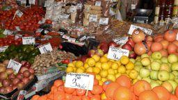 Кметът на Пловдив: Всички спазват санитарните мерки в Четвъртък пазар (снимки)