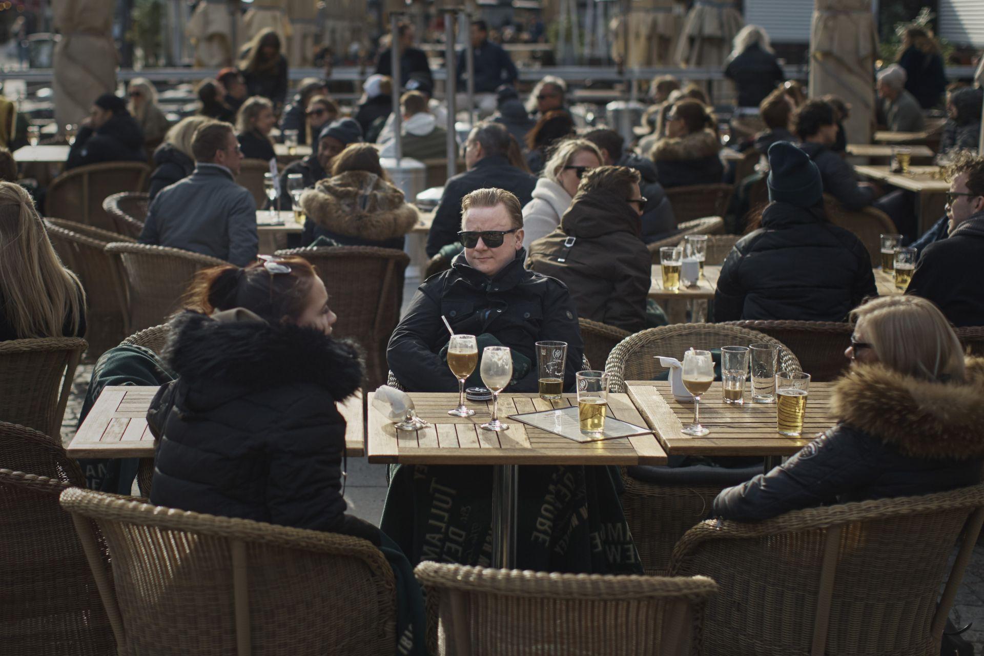 Стакхолм - властите препоръчват социална изолация, но е видно, че не никой не го приема на сериозно