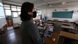 Сеул отчете най-ниския брой нови заразени и даде старт на учебната година