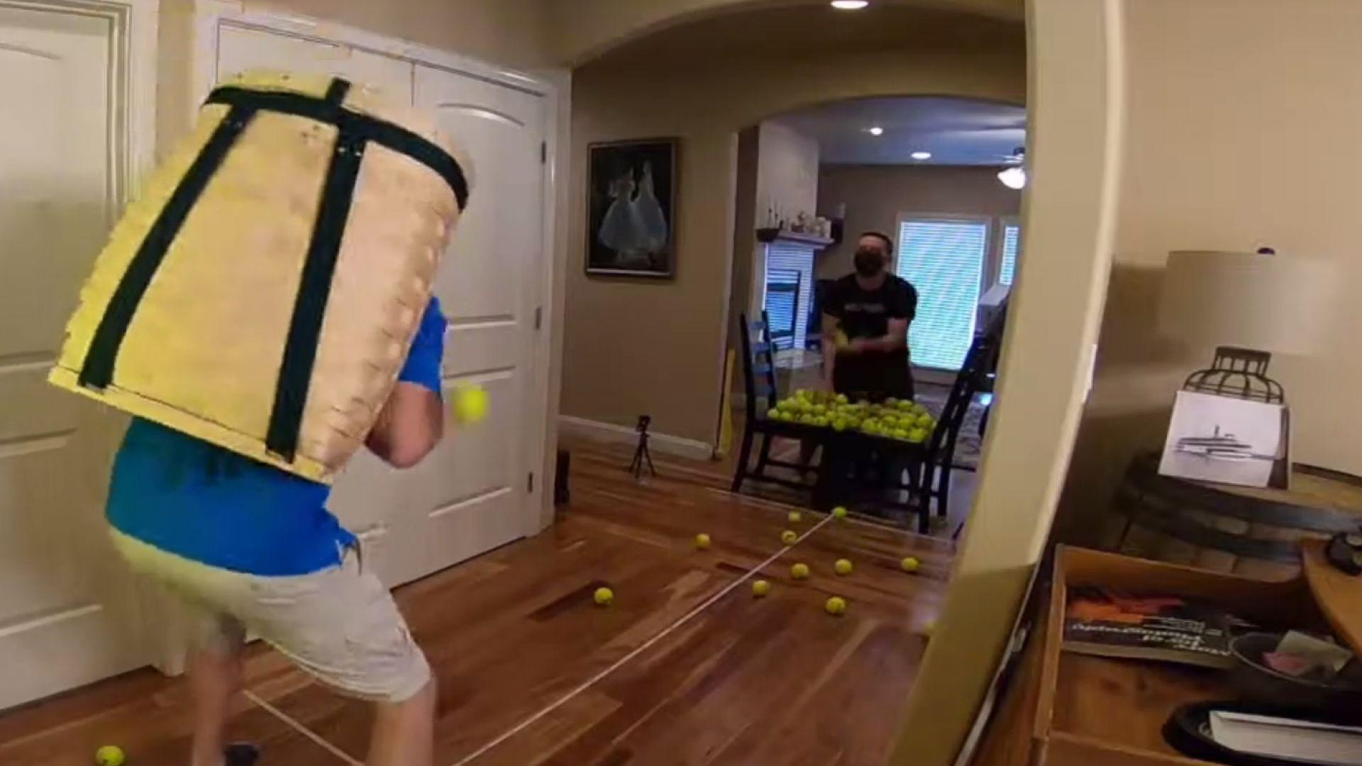 Подобриха Гинес за уловени тенис топки с кошница на гръб (видео)