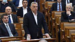 Унгария сваля данъци, за да подкрепи икономиката