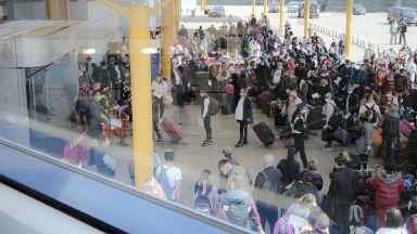 Британците посрещат 180 сезонни работници от Румъния